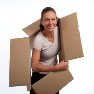 photo de lattice tenant un carton