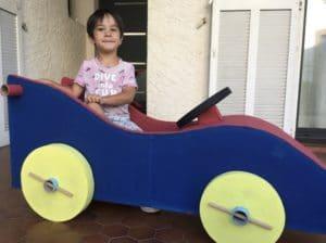 création en carton:kit voiture enfant